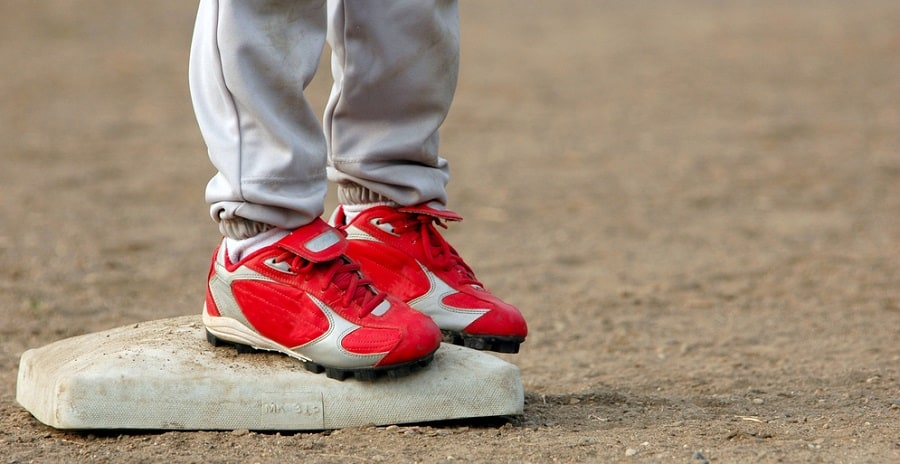 Youth Wide Baseball Cleats